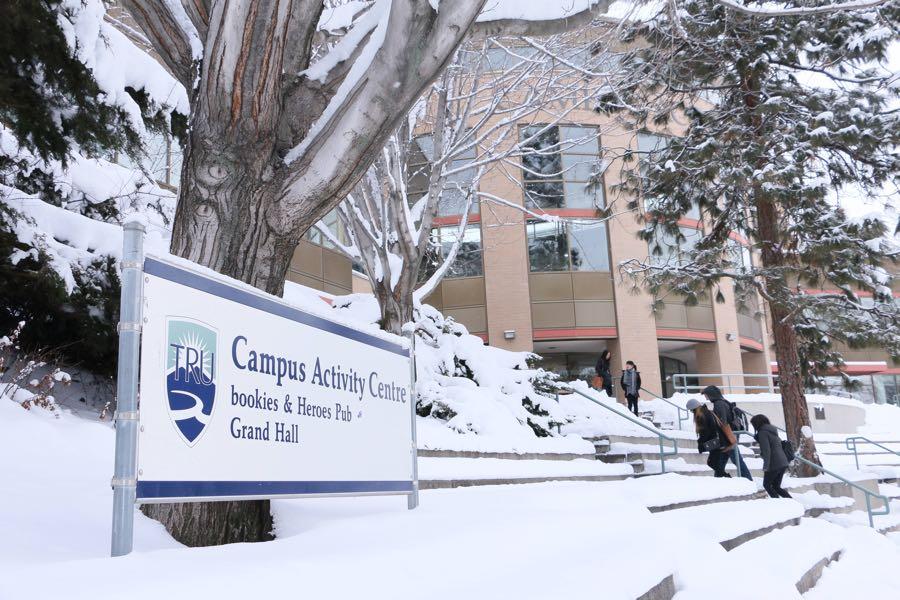 バンクーバーで英語+大学も履修できる1年留学!