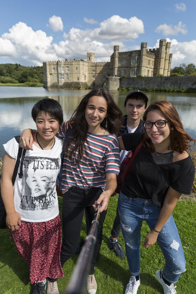 イギリス・ロンドン郊外 全寮制高校で過ごすサマーキャンプ【K1】