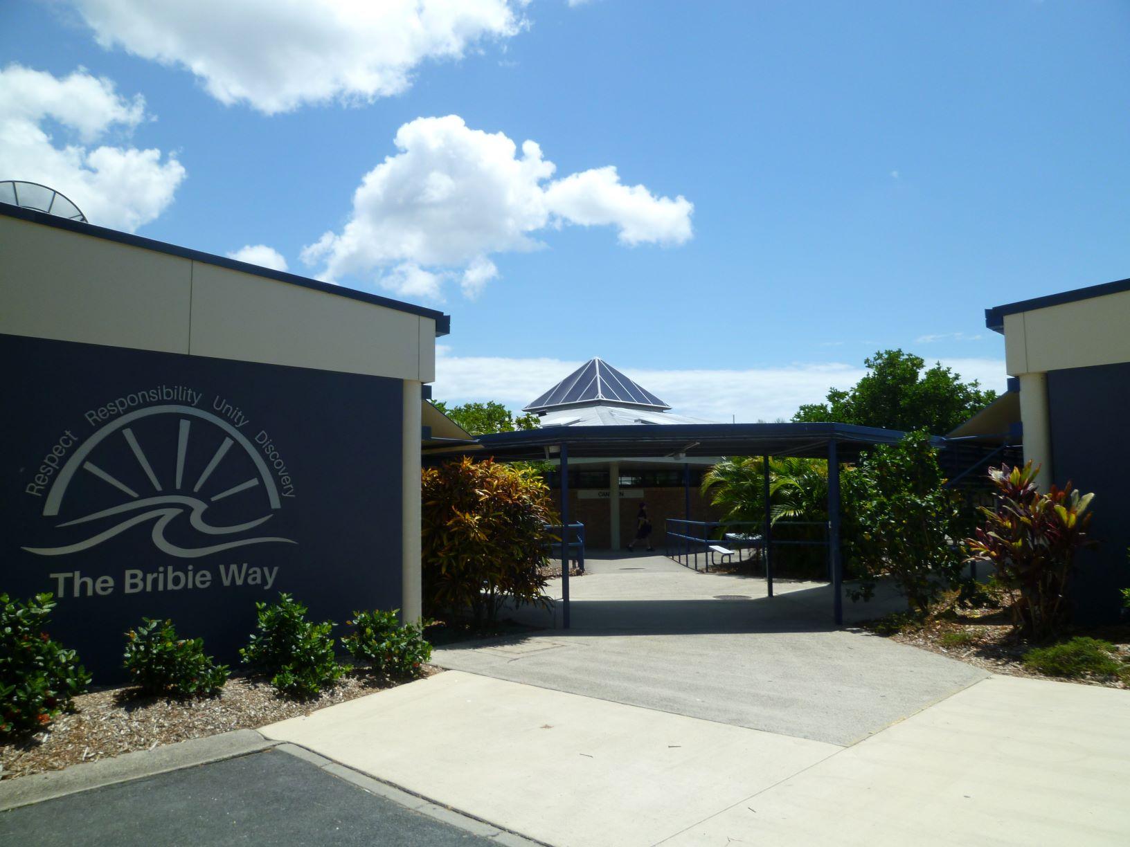 ブライビーアイランド・ステイト・ハイスクール(サンシャインコースト)/ Bribie Island State High School
